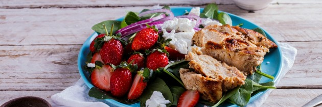 Summer strawberry and chicken salad