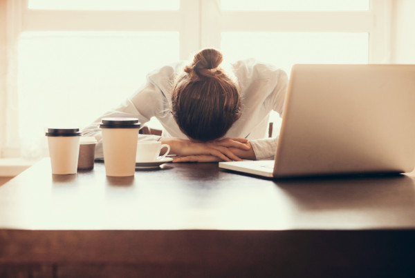 Tired-woman-in-the-office-000078920461_Small-600x403